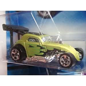 Amazon.com: Hot Wheels 2009 Fiat 500 07/10: Toys & Games