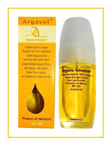 Das Kämmen des Haares mit den Ölen