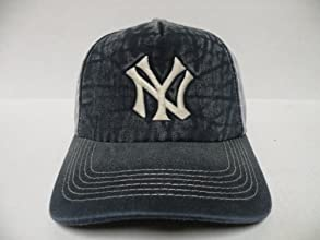 MLB New York Yankees Fade Out Pre Curve Fade Out Snapback Cap