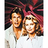 FAYE GRANT AS DR. JULIE PARRISH, MARC SINGER AS MIKE DONOVAN FROM V #3 - COLOUR Movie Photo - (4 Different Photograph & POSTER Sizes Available)