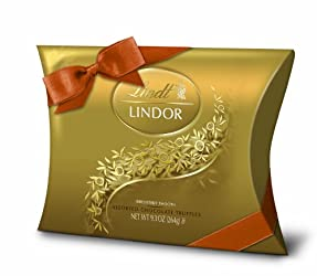 Lindt LINDOR Assorted Chocolate Truffle Pillow Box Gift, 9.3 oz.