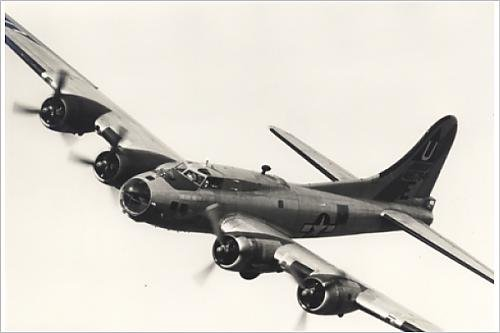 Photographic Print of Boeing B-17G Flying Fortress, /G-BEDF, Sally B