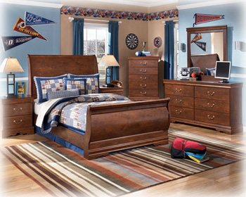 Best Ashley Furniture For Sale Ashley Wilmington Classic Curved Full Sleigh Bedroom Set In Red
