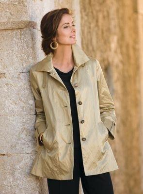 TravelSmith Womens Plus Size Champagne Raincoat Champagne