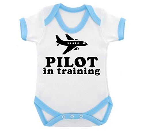 pilot-in-training-design-baby-body-mit-blau-kontrast-trim-schwarz-print-gr-68-weiss-blau