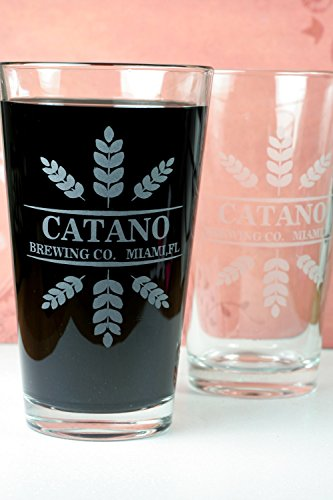 personalized-engraved-set-of-2-brewing-co-beer-glasses-with-wheat-trio-crowns