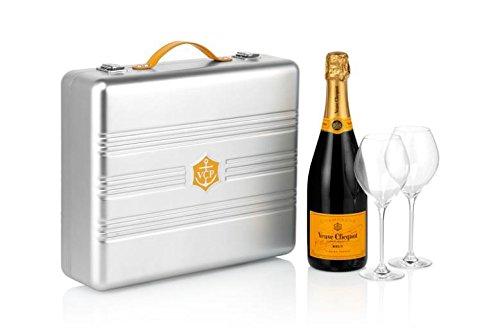 veuve-clicquot-champagne-suitcase
