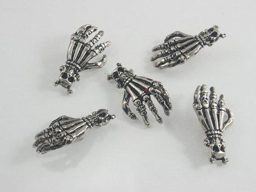 5 pcs.Silver Tone Skull Cross Bone Skull Hand Concho Rivets Studs Leathercraft Decorative Rivets 17 mm. SK RN17