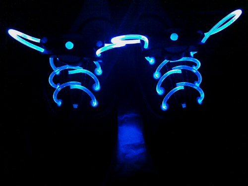 LED shoelaces with continuous and blinking modes (Blue)