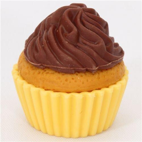 Gomme en forme de petit gâteau au chocolat, par Iwako