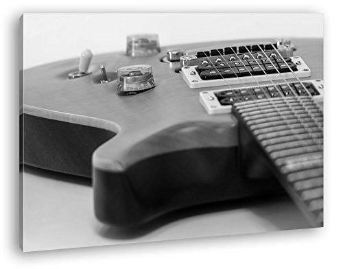 Nahaufnahme-einer-Gitarre-Effekt-SchwarzWei-als-Leinwandbild-Motiv-fertig-gerahmt-auf-Echtholzrahmen-Hochwertiger-Digitaldruck-mit-Rahmen-Kein-Poster-oder-Plakat