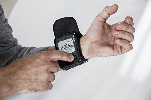 Omron RS6 Handgelenk-Blutdruckmessgerät - 3