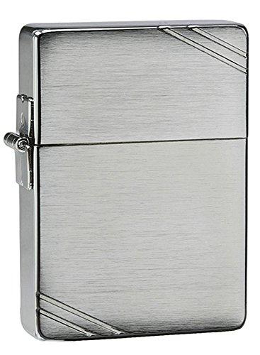original-zippo-lighter-1935-replica-with-slashes