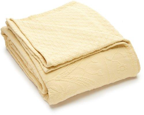 King Charles Matelasse Full Bedspread, Sunshine front-991158