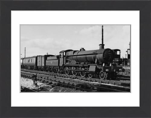 framed-print-of-grange-class-no-6864-dymock-grange-at-banbury-1958