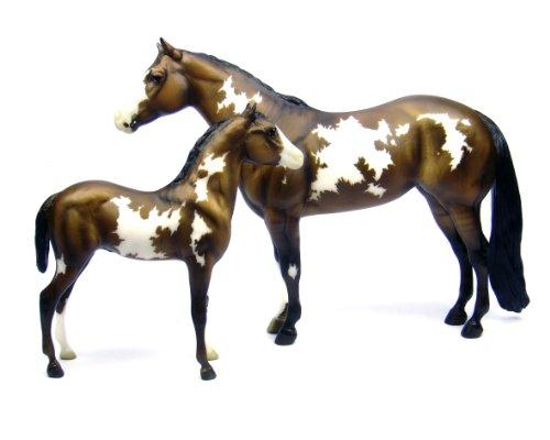 breyer-miniature-cavalli-overo-pinto-mare-e-foal-scala-19