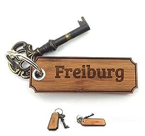 Mr. & Mrs. Panda Schlüsselanhänger Stadt Freiburg Classic Gravur - Gravur,Graviert Schlüsselanhänger, Anhänger, Geschenk, Fan, Fanartikel, Souvenir, Andenken, Fanclub, Stadt, Mitbringsel