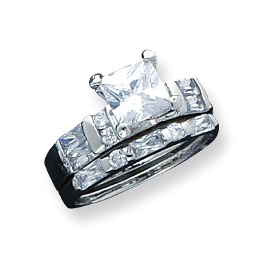 Sterling Silver CZ 2 Piece Wedding Set Ring. Metal Weight- 7.07g.