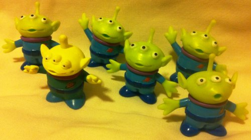 41bHxPSH5yL Reviews Disney Pixar Toy Story, Party Favor Favors Give Aways Goody Bag Fillers Set of 6 Little Green Men Alien 1.5 Pvc Figures Toy