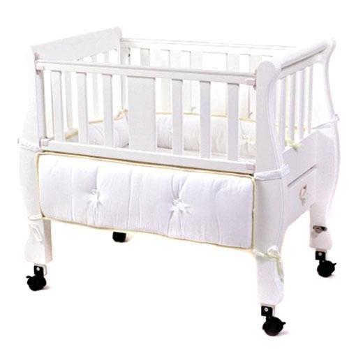 Imagen de Junto a la cama del trineo de Co-Sleeper Bassinet - Blanco