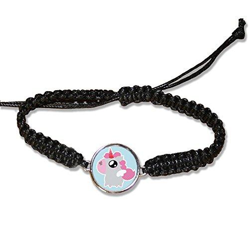 Bracelet-en-cuir-Fluffy-chamalow-Licorne-rose-Chibi-et-Kawaii-sur-fond-bleu-ciel-Chamalow-shop