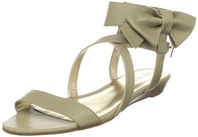 2حذاءك سرق انظار اللي حولكاعجبني حذاءك يا حلوة 2اعجبني حذاءك