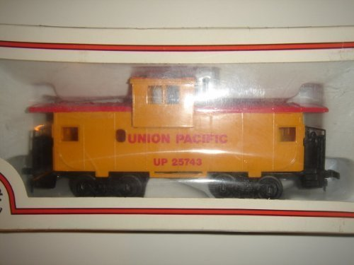 vintage-ho-scale-bachmann-union-pacific-up-25743-wide-vision-caboose-in-original-box-43-1007-01-by-b