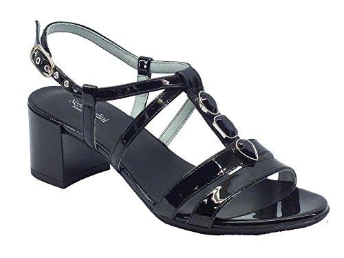 P615540D-100.Sandalo in vernice t.60.Nero.38