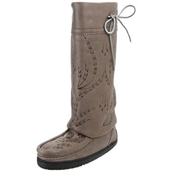Traditionally worn for hunting, Canadian Aboriginals have valued the warmth and comfort of Mukluks for hundreds of years.  The Tall Gatherer is a true down to earth beauty.  The tanned high quality upper is intricate and features subtle hand etching ...