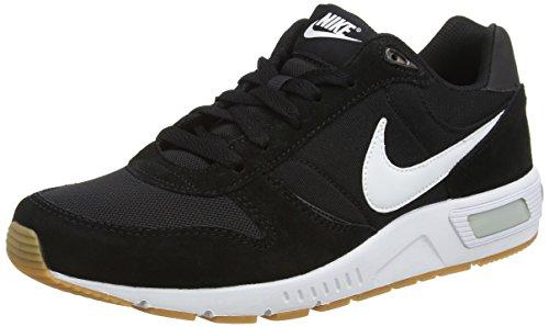 Nike Nightgazer, Scarpe da Corsa Uomo, Multicolore (Black/White), 41 EU