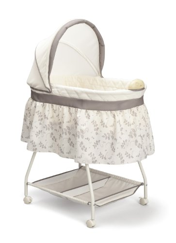 Delta Children Products Sweet Beginnings Bassinet, Falling Leaves