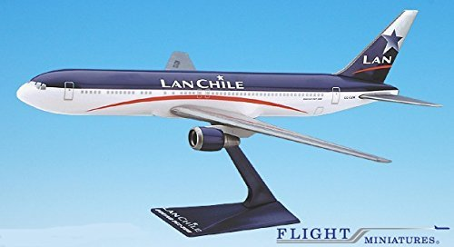 lan-chile-98-04-767-300-airplane-miniature-model-snap-fit-1200-part-abo-76730h-032