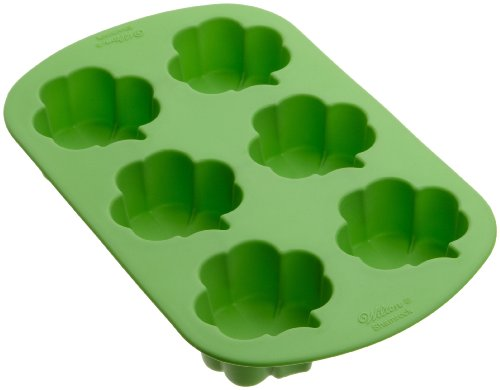 New Wilton Shamrock 6 Cavity Silicone Pan