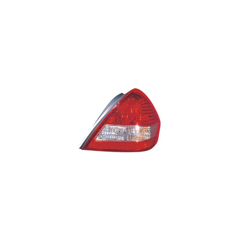 Nissan Versa Passenger Side Replacement Tail Light