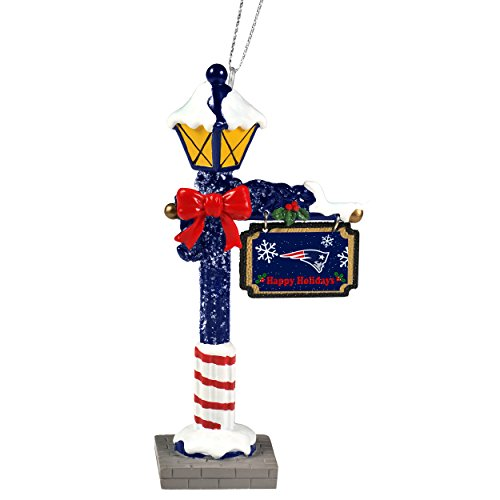 New England Patriots Official NFL 5.7 inch x 3 inch Street Lamp Christmas Ornament