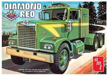 AMT 1/25 Diamond Reo Tractor Truck Model Kit
