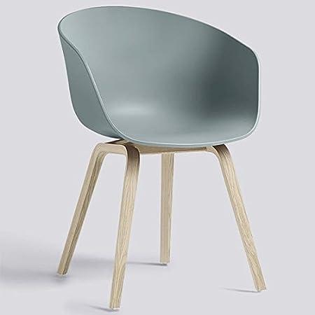 Le fauteuil About a Chair par HAY - réf. AAC22 et AAC42 - assise en polypropylène, coussin fixe en option, piétement en bois, en chêne, 2 hauteurs pour l'assise - l'art du design nordique - AAC22 Piètement chêne bla
