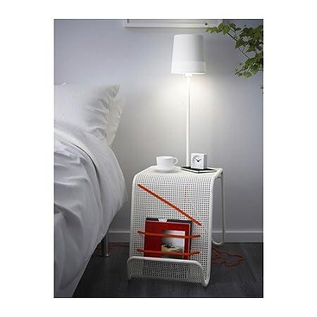 Contemporáneo elegante armario con iluminación–lámpara de mesa, y revista compartimento.