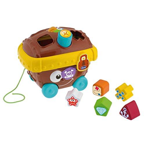 <p>Este colorido conjunto incluye un cofre del tesoro decorado y con huecos para insertar las piezas de diferentes formas y</p>
