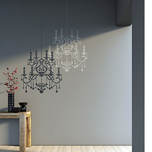 Room With Chandelier front-905785