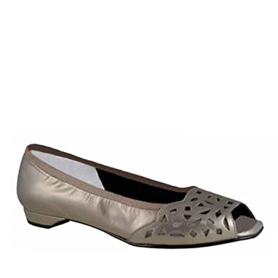 Ros Hommerson Women's Mercy Pewter Kid 5 M US
