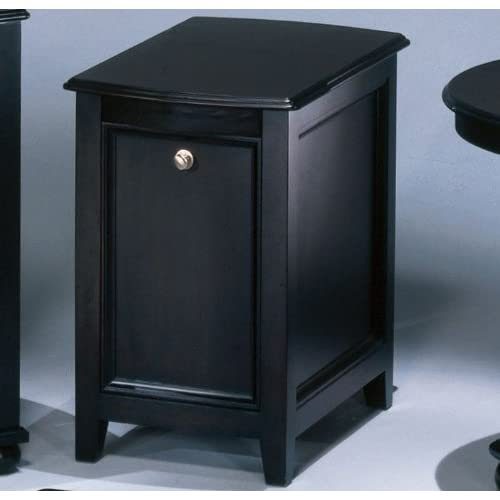 Carlyle Chairside End Table By Ashley Furniture