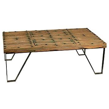 Mesa de centro con patas de forja y tablero de madera antigua esta pieza es única acabado efecto verde