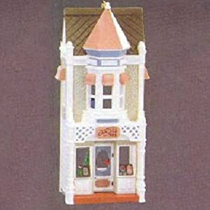 Christmas Candy Shoppe Nostalgic Houses & Shops 3rd in Series 1986 Hallmark Ornament QX4033