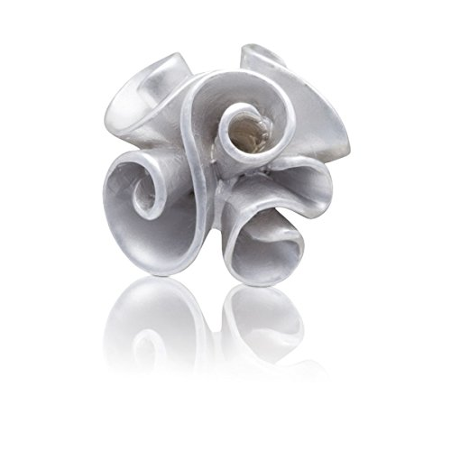 satinato-e-lucido-ruffles-semplicemente-metallo-lapel-pin