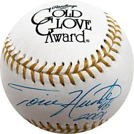 Torii Hunter 2001 Autographed Gold Glove Baseball - Autographed MLB Gloves