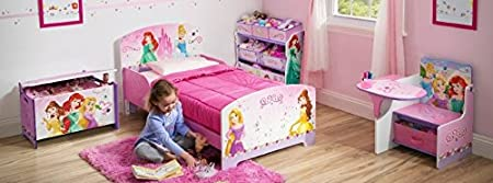 Chambre complète. Princesses + matelas (140cms x 70cm) et oreiller