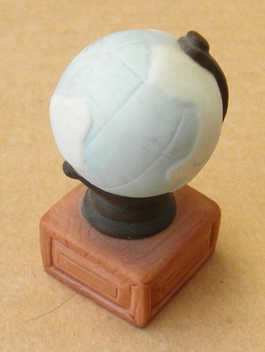 Homco Ceramic Globe on Stand - 1 3/4 inches tall