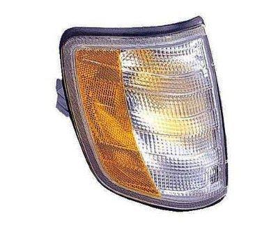 PASSENGER SIDE SIGNAL LIGHT Mercedes-Benz E300, Mercedes-Benz E320, Mercedes-Benz E420, Mercedes-Benz E500 SIGNAL/CORNER LIGHT;; AMBER/CLEAR LENS (Mercedes E320 Clear Corner Lens compare prices)
