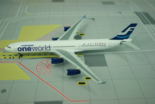 Phoenix Finnair A340-300 Model Airplane